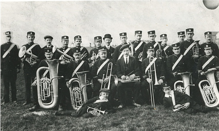 helmshore-prize-band-in-1920s-conductor-richard-aspin-large